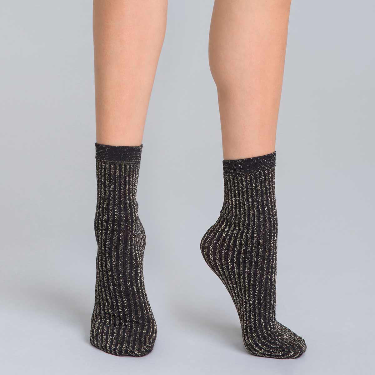 89f4e590c Calcetines de media negros transparentes con bordados para mujer